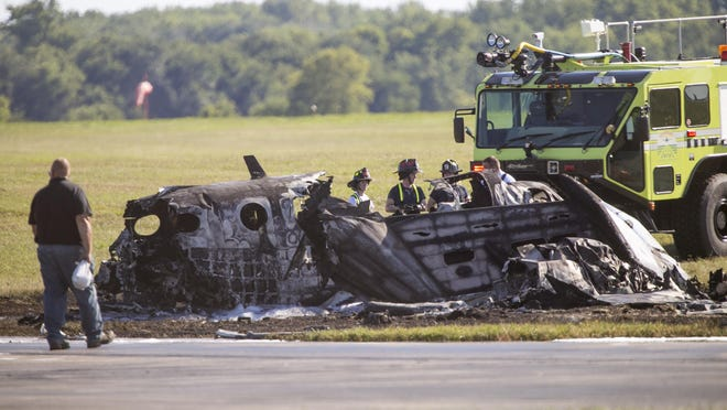 A 67-year-old man from Wayne, Illinois, died after a twin-engine airplane crashed at Chicago Rockford International Airport on Thursday in Rockford, while attempting a takeoff. The pilot was the only person aboard the aircraft.