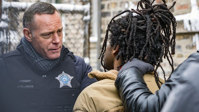 """CHICAGO PD -- """"Silence Of The Night"""" Episode 719 -- Pictured: Jason Beghe as Hank Voight --"""