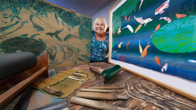 The Galesburg Civic Art Center is hosting an exhibition featuring the woodcuts of Peoria artist Cathie Crawford.