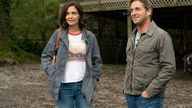 Katie Holmes and Josh Lucas star in a gentle, amiable film.