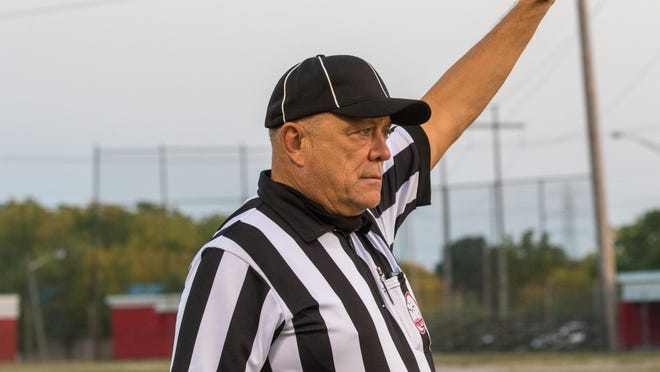Local official Bill Gomoluch has been named the recipient of the NAIA's Larry Lady Officiating Award, which recognizes officials of outstanding moral character, quality officiating ability and who are held in high esteem by their colleagues, administrators and athletes.