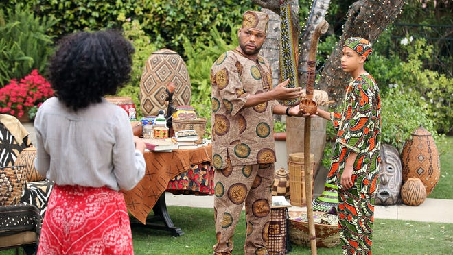"""Tracee Ellis Ross, Anthony Anderson and Marcus Scribner in a scene from """"black-ish."""""""