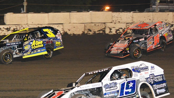 The winner of Saturday's 8th annual Casey's Modified Nationals at Fairbury Speedway will pocket $10,000. The race will feature former national champion Jeff Leka (3), as well as Will Krup (19), who is ranked third in this year's national points, and Mike Harrison (24), who is always a threat in big-money events.