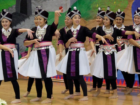 -SHEBrd_11-09-2014_Press_1_A003~~2014~11~08~IMG_she_n_Hmong_New_Year_1_1_G09.jpg