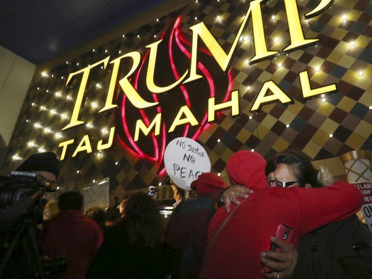 APTOPIX Trump Taj Mah_Van