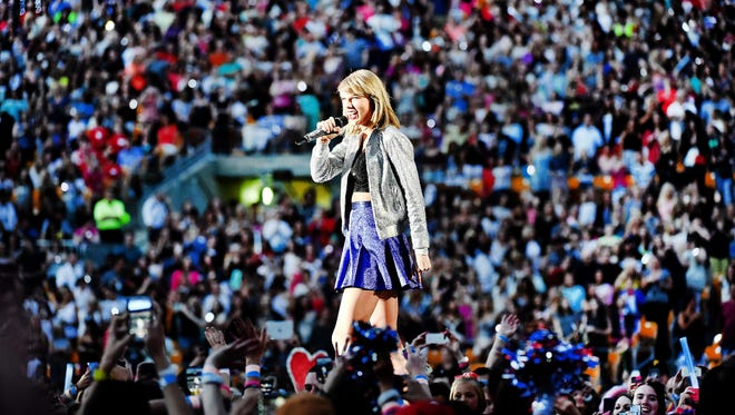 Taylor Swift performs during The 1989 World Tour live at Heinz Field on June 6, 2015 in Pittsburgh, Pennsylvania.