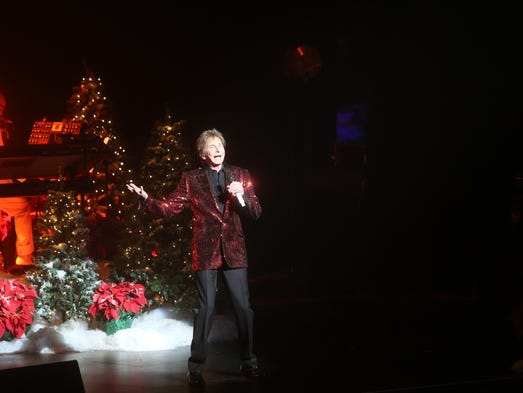 "Barry Manilow  performs his ""Gift of Love"" at the McCallum"