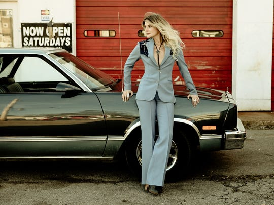 Elizabeth Cook will perform March 15 at the Hi-Fi.