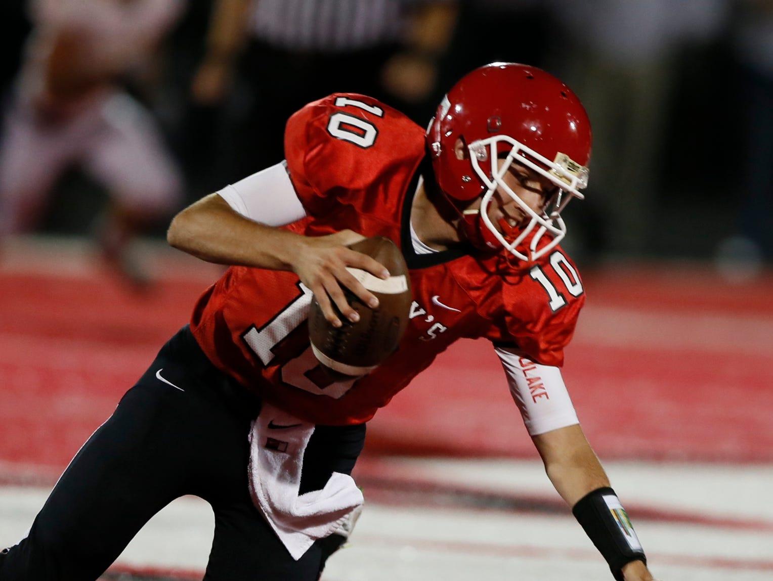 Orchard Lake St. Mary's quarterback Brendan Tabone