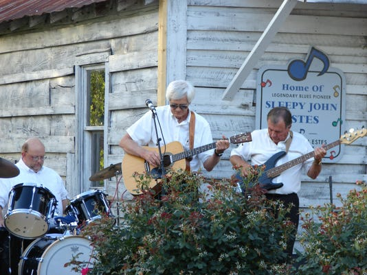 Music highway Band on the porch