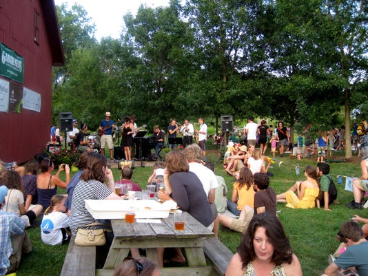 INTERVALE PARTY-4-C1