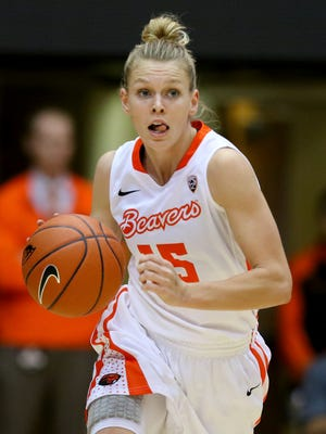Oregon State senior guard Jamie Weisner scored 24 points in the Beavers' 110-45 rout of Longwood in the 2015-16 season opener.
