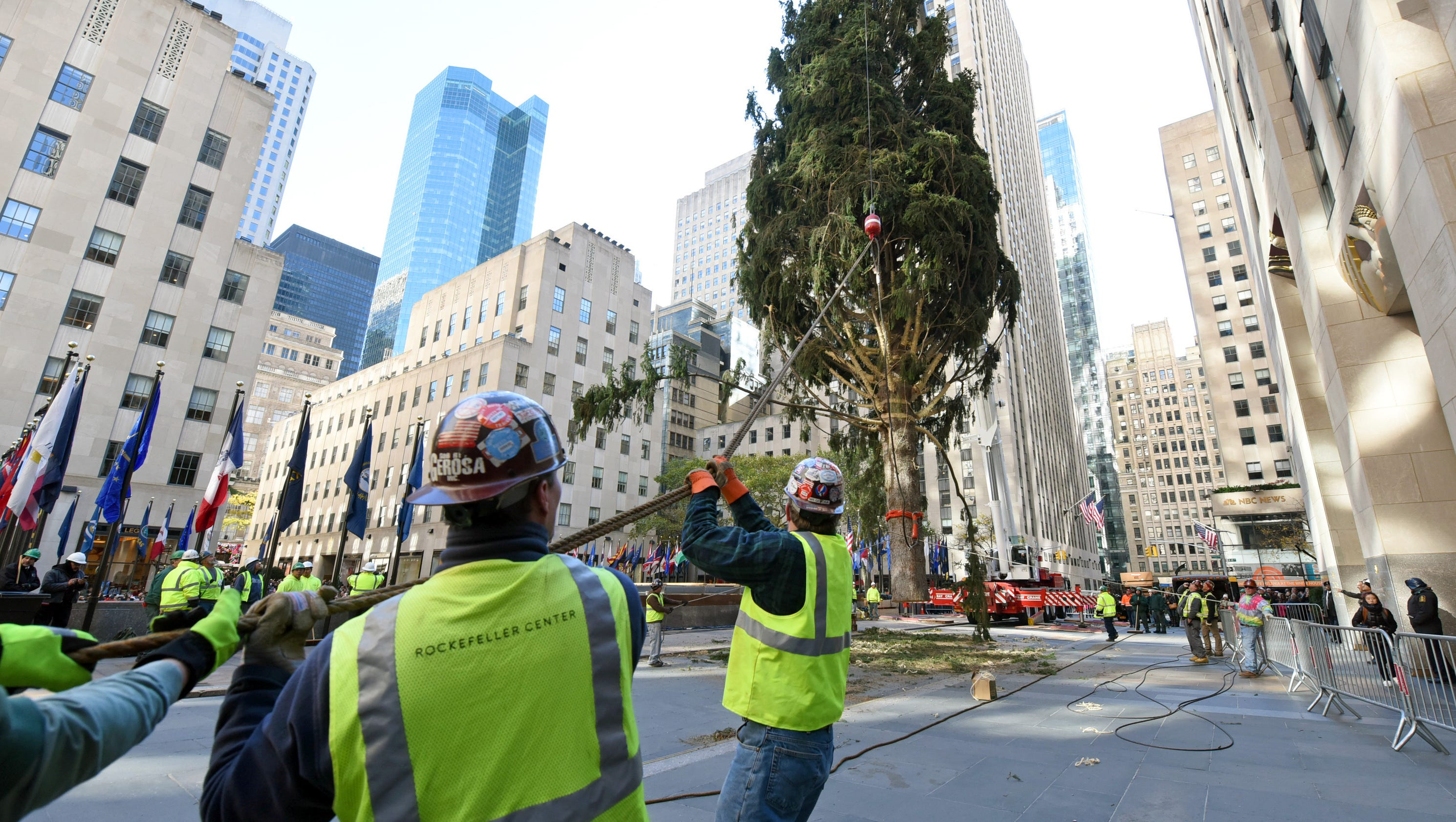 Rockefeller Center Christmas tree arrives in NYC