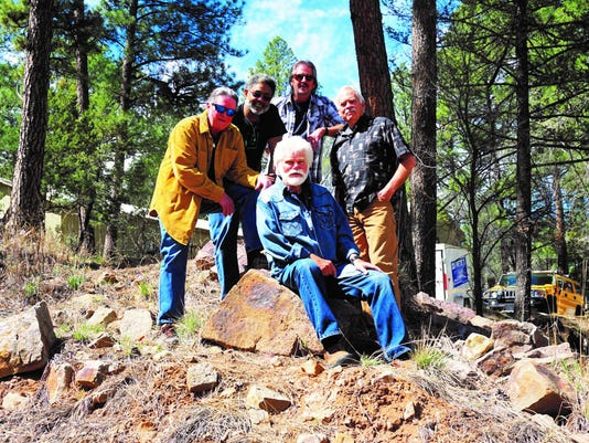 Dave Millsap, Pete Davis, Bud Hewitt, and Sam Shackelford with Jamie Estes