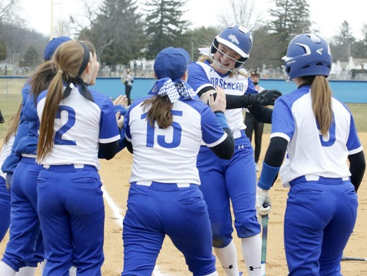ELM 2018 0412 Horseheads Softball_01
