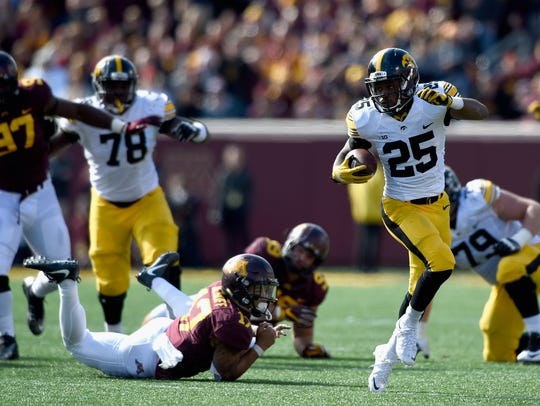 Helpless tacklers, including Minnesota safety Jacob