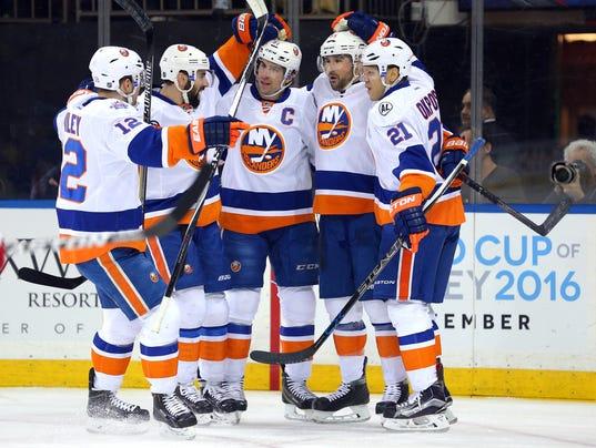 USP NHL: NEW YORK ISLANDERS AT NEW YORK RANGERS S HKN USA NY