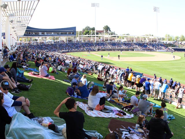 6580d27ac0641 Brewers set spring training broadcast schedule
