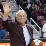 Former New Mexico State, Illinois coach Lou Henson to be honored Saturday in Chicago
