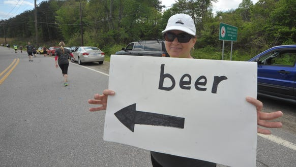 Race to the taps 4 miler saturday at asheville pizza for Asheville t shirt company