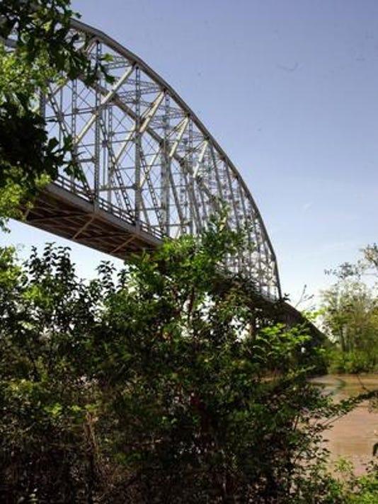 635780273939417931-O.K.-Allen-Bridge