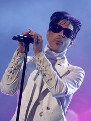 Prince performs in Pasadena, California in 2007.