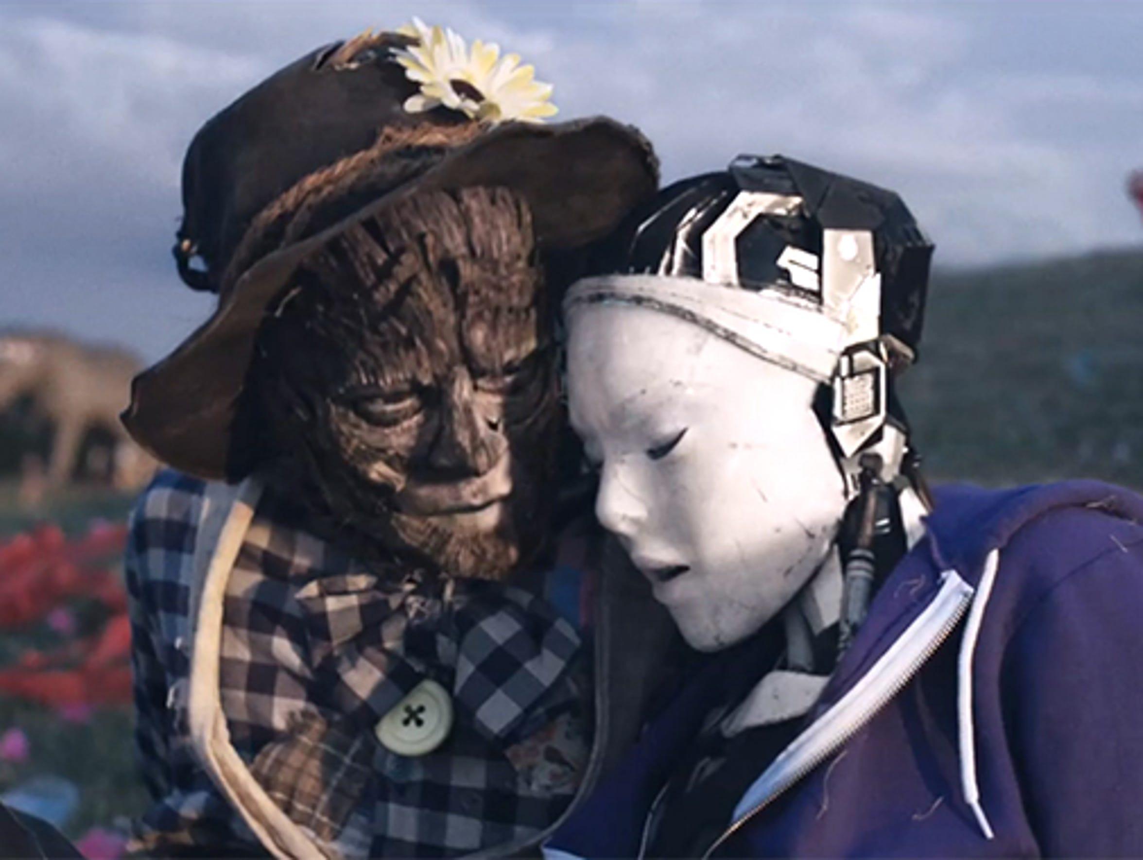 """Robot & Scarecrow"""