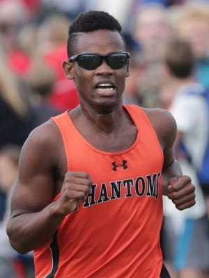 West De Pere's Jermine Evans competes in the Seymour Invitational cross country meet on Thursday.