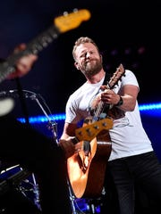 Dierks Bentley performs at the 2018 CMA Music Fest