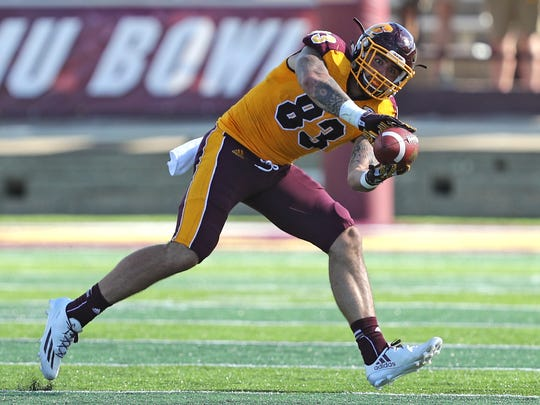 Central Michigan Chippewas tight end Tyler Conklin (83).