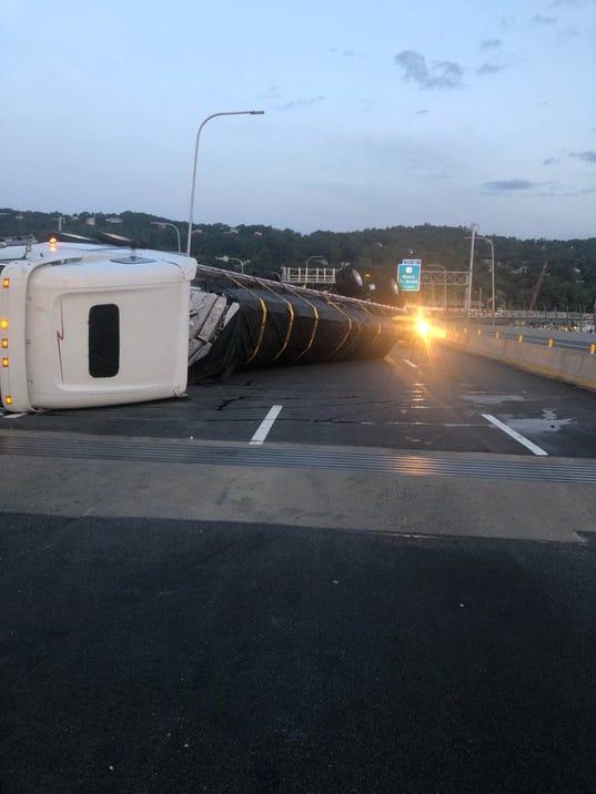 Tractor-trailer crash on Cuomo Bridge