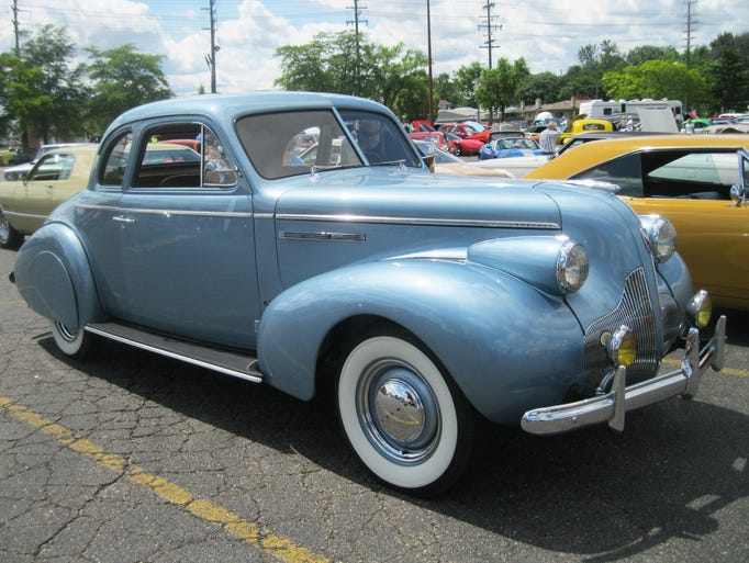 Streamlined from front to rear bumper, this sleek 1939