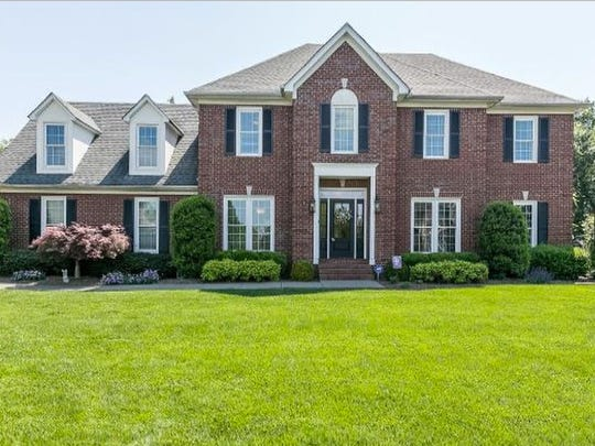 This house, at 2810 Saint Johns Drive in Murfreesboro,