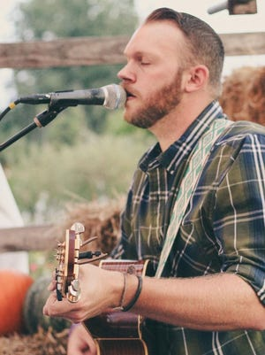 Tim Britt will perform at GreenScapes's annual VIPink Night from 5 to 10 p.m. Friday.