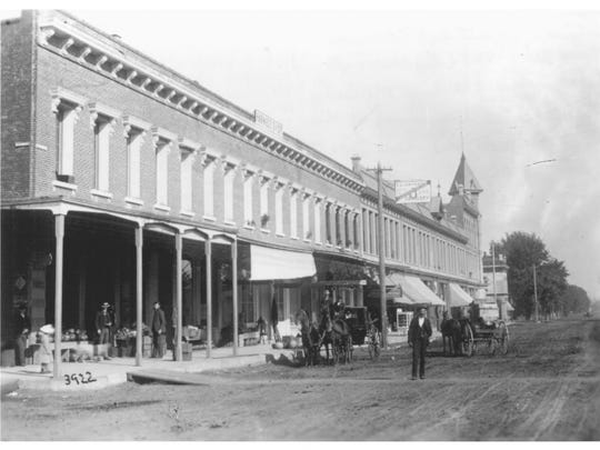 The Starkey-McCully building in a photograph from 1887.