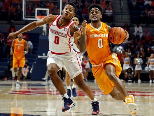 UT Vols basketball brings varied opinions in latest NCAA ...