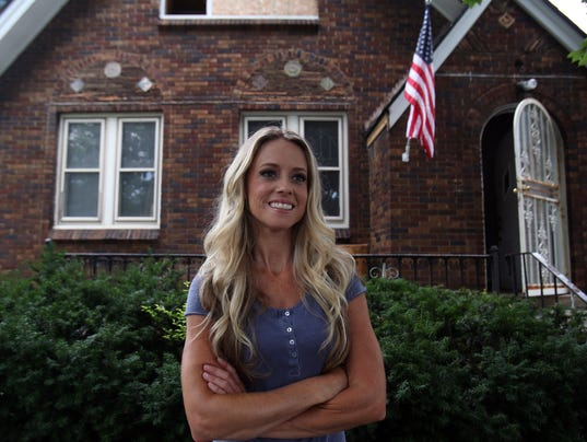 Nicole curtis of 39 rehab addict 39 risks jail in custody case for What does shane maguire do for a living
