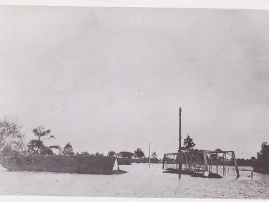 Flood Waters in 1927.jpg