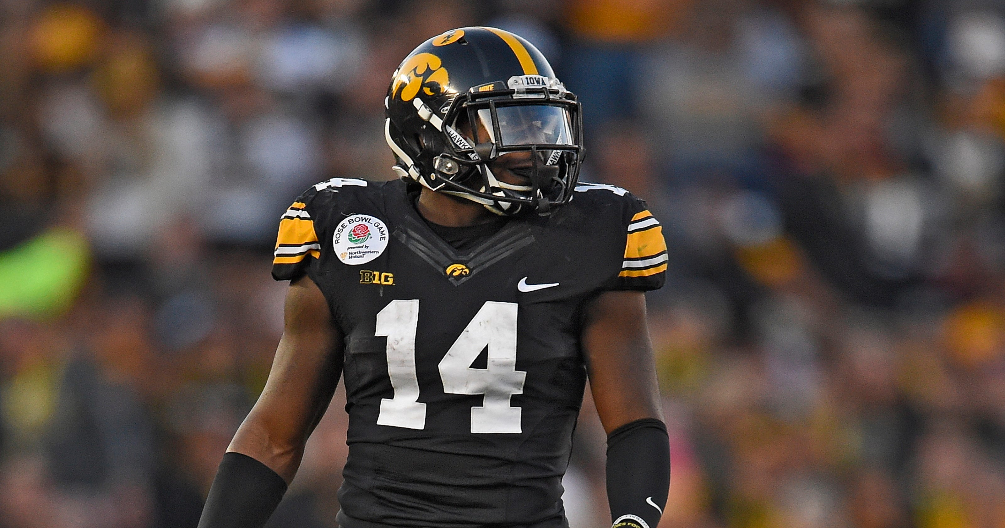 a53ba589 Satellite camp helped CB Desmond King go from Detroit to Iowa