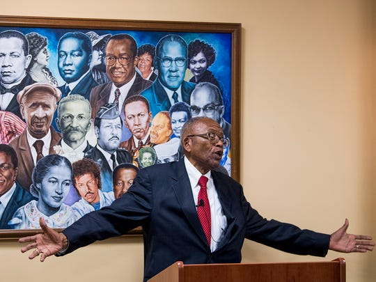 Civil rights attorney Fred Gray speaks as he is presented
