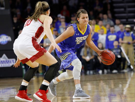SIOUX FALLS, SD - MARCH 6:  Macy Miller #12 of South
