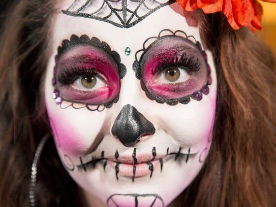 Phoenix artist Lucinda Yrene gives a tutorial on how