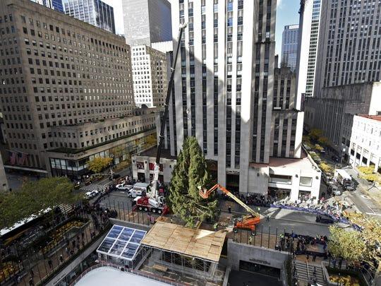 2018 Rockefeller Center Christmas Tree Arrival