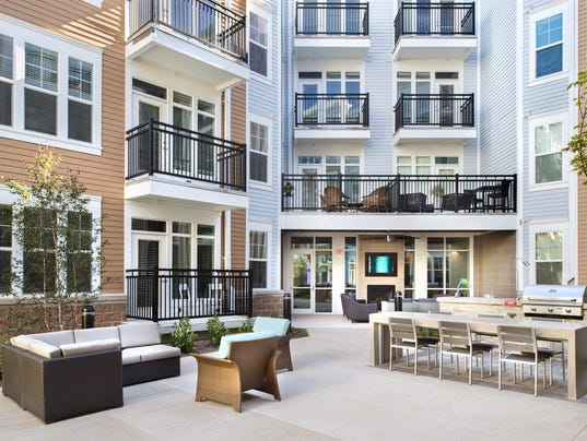 636383265359636416-depInterior courtyard at the Depot in Fishers