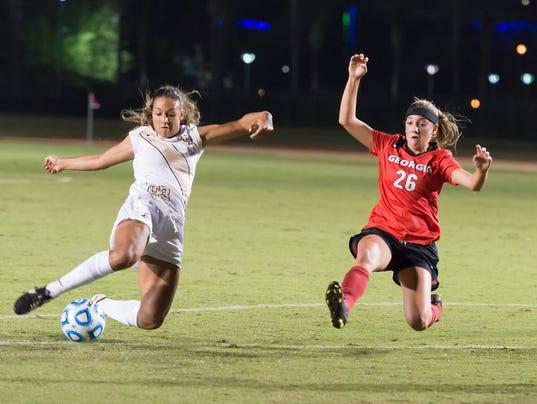 635517514555100009-Womens-Soccer-vs-Georgia-Bulldogs-2