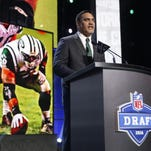 Former Walter Payton Man of the Year Kevin Mawae announces that the New York Jets selected Georgia outside linebacker Jordan Jenkins with the 83rd pick in the third round of the 2016 NFL draft, Friday in Chicago.