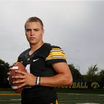 Nathan Stanley emerges as QB favorite, AJ Epenesa shines at Iowa's Kids Day  practice