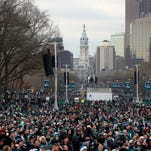 Golic: Eagles fan broke own fingers to go to parade