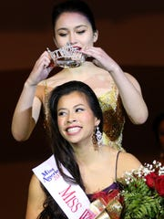 Ryann Swanson, a senior at Lincoln High School, is crowned Miss Wisconsin Rapids Area 2017 on Saturday night.