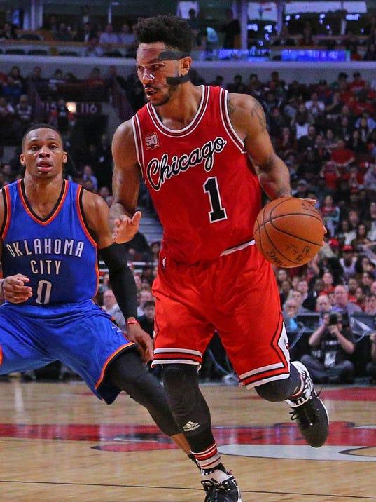 Derrick Rose lifts Bulls over Thunder despite lingering vision issues